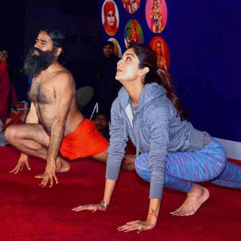 SHILPA SHETTY'S 15 MINUTE YOGA